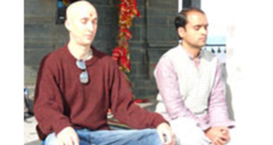 Fred with Yogacharya Kukuji in Rishikesh, India
